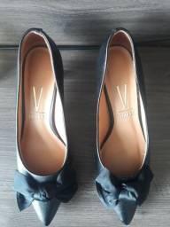 Sapato vizzano usado uma única vez
