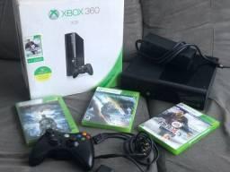 Xbox 360 Slim Travado com 3 Jogos