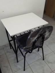 Conjunto escolar com  mesa/cadeira  preço de oportunidade