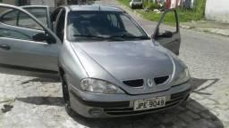 Carro renault megane ano 2001 todo completo. 7.000 reais. - 2001