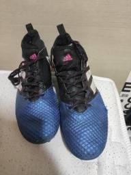 Chuteira society botinha Adidas n42