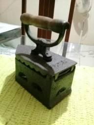 Ferro de Passar Retro/Vintage