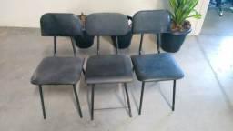 Cadeiras Fixas (cada)