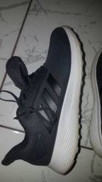 Tênis original do Adidas 39
