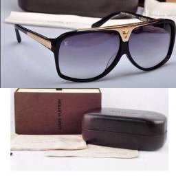 Óculos de sol completo na caixa