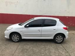 Peugeot 1.4 2013 todo revisado só pegar e andar não tem passagem leilão