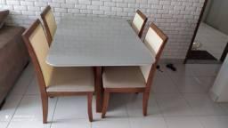 Mesa 4 lugares completa cadeira de madeira e encosto telinha