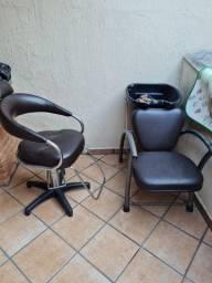 Lavatório cadeira de cabeleireiro e porta de vidro pra salão de beleza.