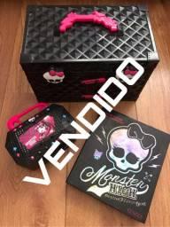 Brinquedos Monster High e Barbie importados
