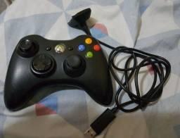Controle de Xbox 360 e carregador