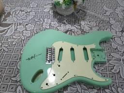 Corpo para guitarra em basswood + escudo tagima 530 ótimo estado