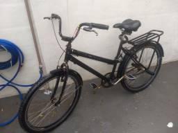Bicicleta com peças boas e pouco usadas + bomba de encher peneus