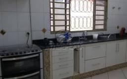 Casa para venda em Jardim Mugnaini de 200.00m² com 3 Quartos, 1 Suite e 4 Garagens