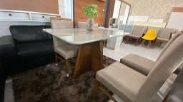Mesa Navaro de 4 cadeiras de madeira maciça