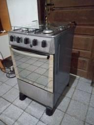 Fogão: boca pegando forno também semi novo