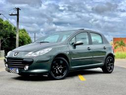 Peugeot 307 + Teto + Couro + Câmbio manual