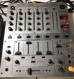 Mixer Pioneer DJM-600 Usado