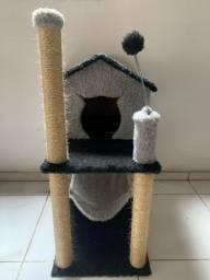 casinha para gato com arranhador