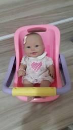 Boneca com bebê conforto