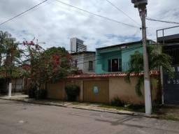 Casa em Dois Pavimentos + Galpão
