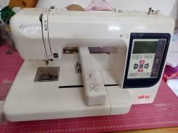 Maquina de bordar Elna 8100