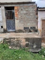 Aluga-se uma casa no Tijuquinha