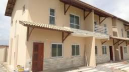 Baixou!!!!!Duplex em Condomínio Fechado Próximo ao estádio Moraisão de Maranguape