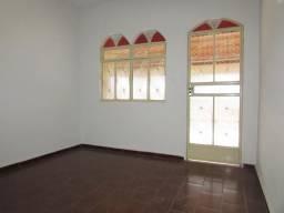 Casa para alugar com 3 dormitórios em Santa tereza, Divinopolis cod:24276