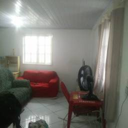 Alugo ótima casa em Conceição de jacareí com garagem