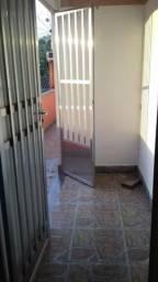 Aluga-se casa no bairro Caieiras (Volta Redonda)
