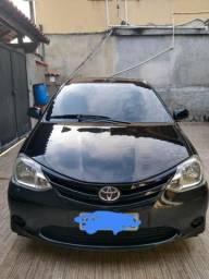 Toyota Etios HB LX - 2013