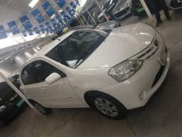 Toyota Etios X 1.3 - 2013