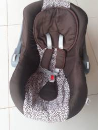 Carrinho De Bebê E Bebê Conforto TutiBaby