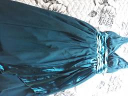 Vestido de festa azul petróleo.