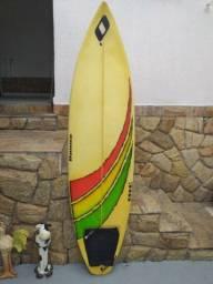 Prancha de surf 6.2 no estado