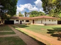 Vendo casa padrão mansão dos anos 80 em área nobre
