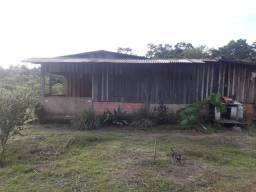 Chácara, com 3 igarapés, casa e tem escritura