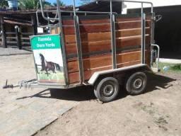 Reboque trucado para 2 cavalos