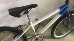Bicicleta aro 24.