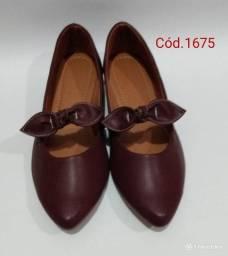 Sapatos e sapatilhas