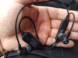 Fone de ouvido JBL E25BT