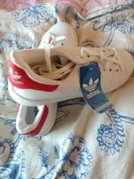 Adidas modelo novo