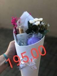Kit perfume e buquê Hinode