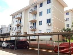 Vende-se apartamento no Res Rio Verde - a uma quadra da rua Cuiabá, Bairro Neva