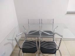 Mesa de jantar com tampo em vidro (6 lugares)