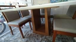 Mesa quadrada pintura laka e madeira