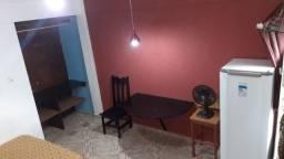 Suíte mobiliada ? no 2º pavimento - R$ 600,00