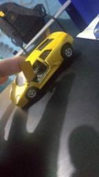Vendo miniaturas para reformar São 13 carrinhos alguns precisam de pintura