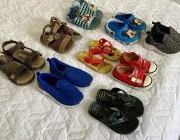 Lote de Tênis e sandálias infantil