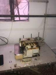 Máquina industrial OVERLOCK SIRUBA